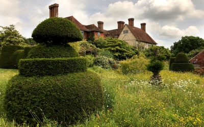 Iconic Gardens: Sissinghurst and Great Dixter